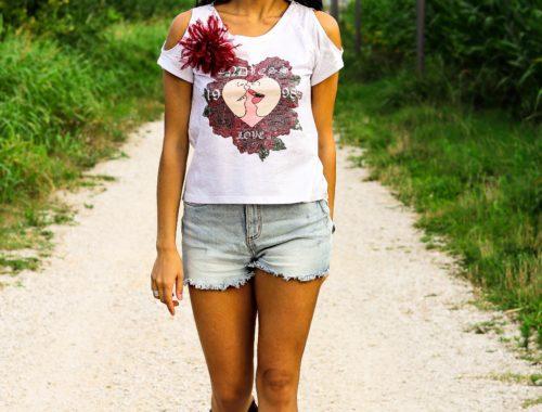 t-shirt Teetopia for FraPassion, edizione limitata. Cotone 100% con spilla rimovibile in tulle di seta.